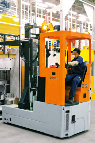HUBTEX reach trucks in the automotive industry.