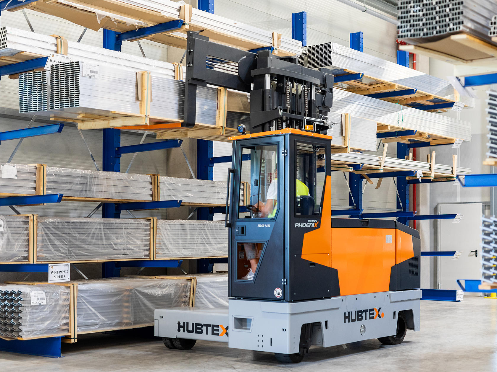 The new Phoenix series of electric multidirectional sideloaders in operation
