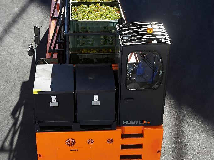 HUBTEX apple crate transporter from above